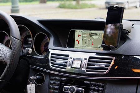 Universal smartphonehållare